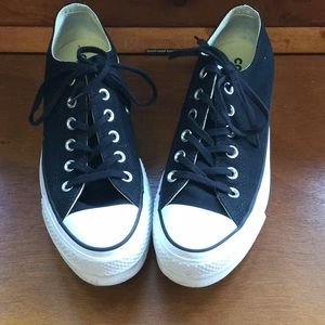 Converse 7.5 platform black are used has a few